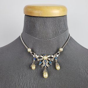 Jewelry - Vintage Silver & Blue Pearl Bow Necklace